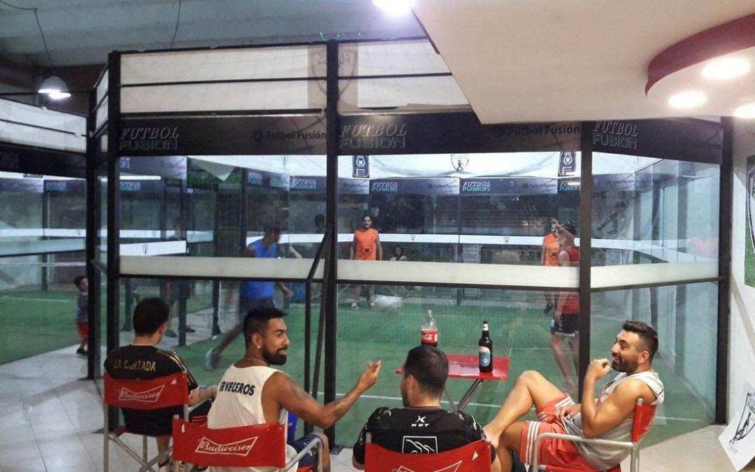 ¿Squash, fútbol, voley y tenis… en un solo deporte?