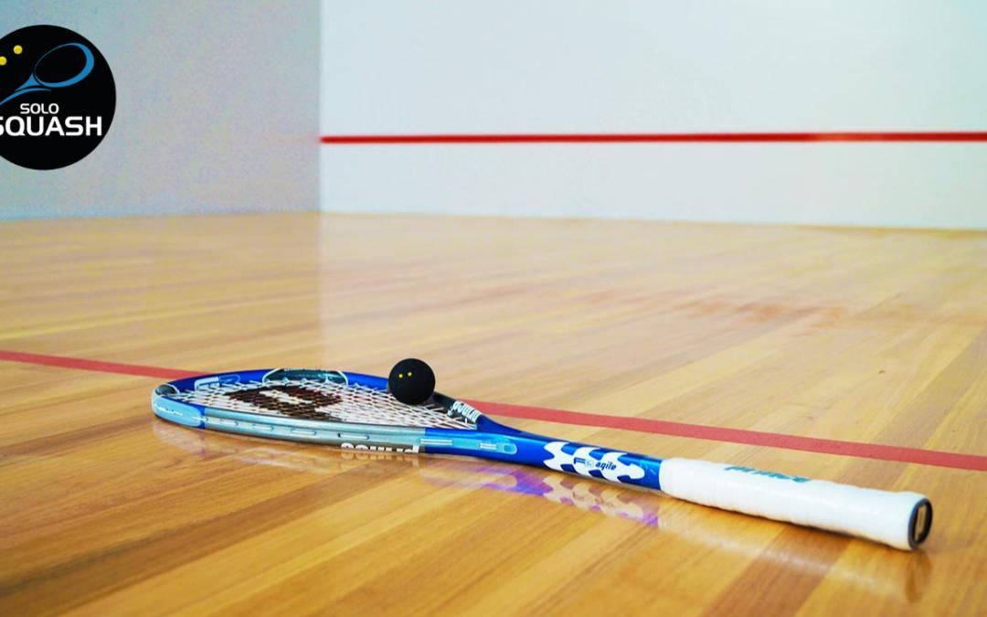 ¿Qué significan los puntos de colores sobre la pelota de Squash?